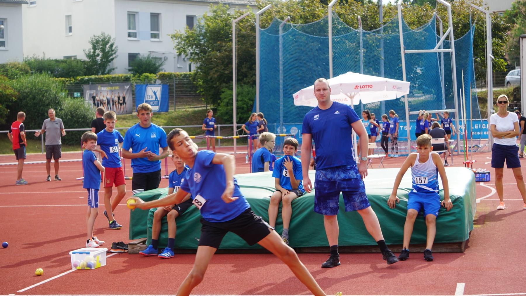 Schott-2020-08-15-basti-wurf-DSC06742